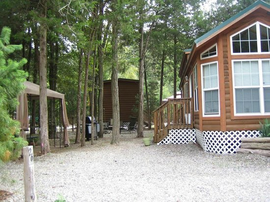Crystal Springs Wilderness Lodges & RV Resort: One of our cabins