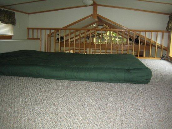 Crystal Springs Wilderness Lodges & RV Resort: The loft