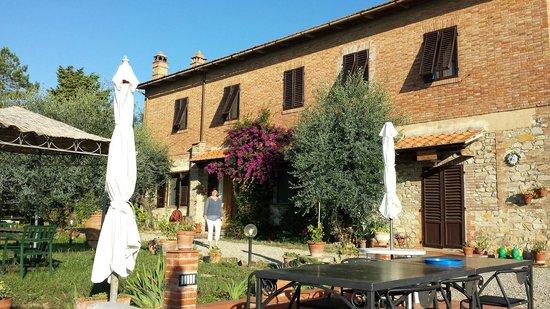 La Collina degli Olivi: De voorzijde van de boerderij