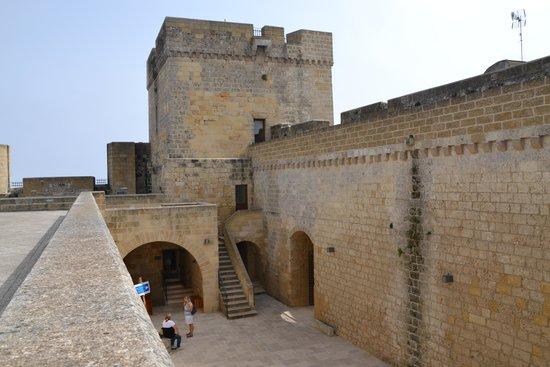 Castro Castle : cortile interno