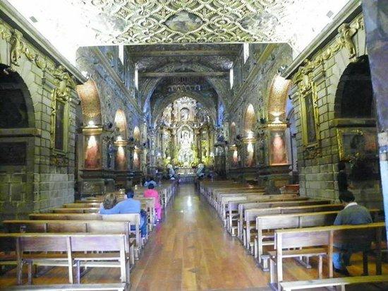 Quito Old Town : Detalhe de dentro de uma igreja