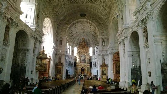 Michaelskirche: L'alta cupola centrale