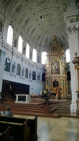 Michaelskirche: Interno, particolari