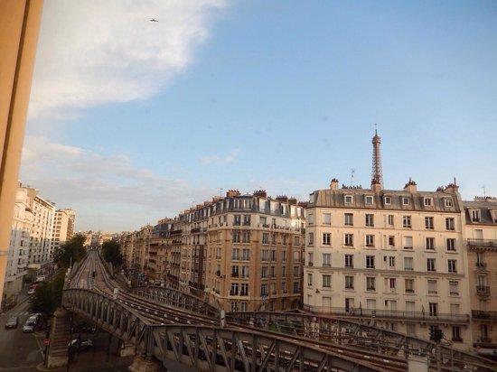 Mercure Paris Tour Eiffel Grenelle Hotel: Vista dá janela