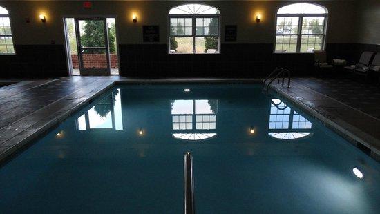 Best Western Plus Easton Inn & Suites: Pool