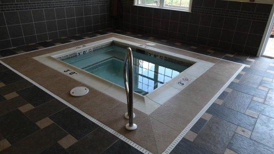 Best Western Plus Easton Inn & Suites: Hot Tub