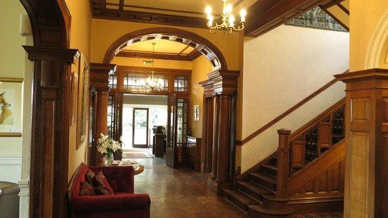 Conrah Hotel Entrance Elegance