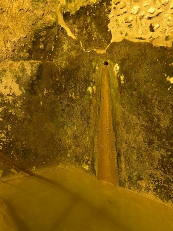 The Western Wall Tunnels : Cistern Water