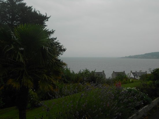 Munro's B & B: The view from the terrace