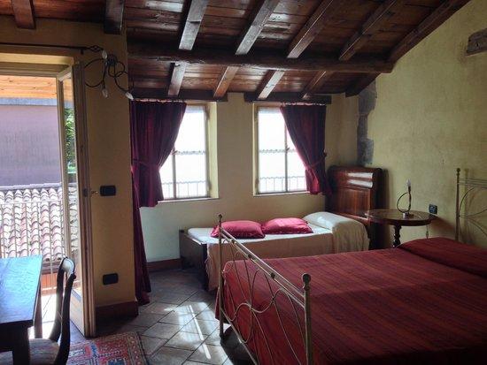 L'Angolo del Poeta: Our room