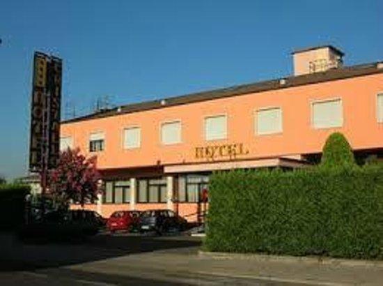 Hotel Cristallo: Esterno