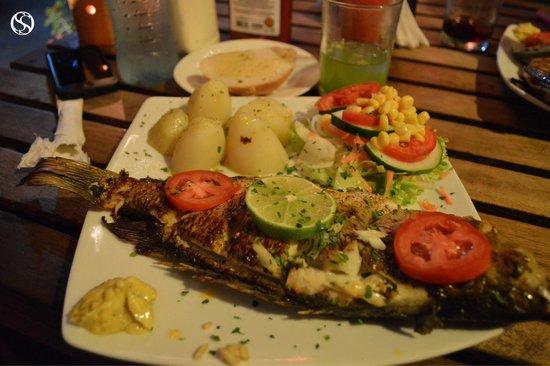 """Restaurant La Villa del Chef """"Pescado Blanco"""" Isla de Flores, Guatemala."""