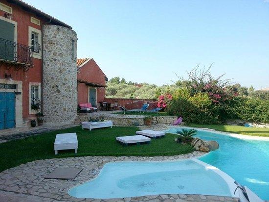 B&B Villa l'Ulivo: Pool area