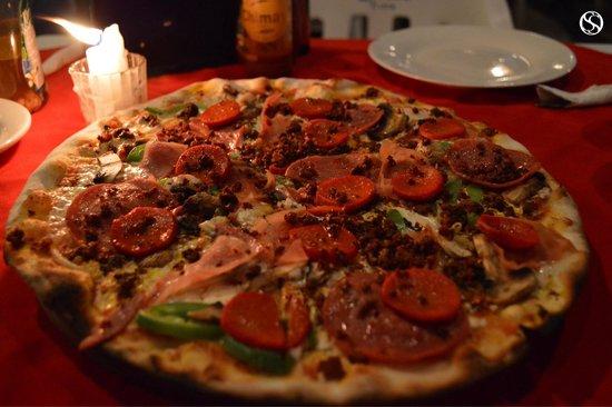 "Don Muchos : Restaurante Don Mucho's ""Pizza, una Tóxica"" Palenque, Chiapas."