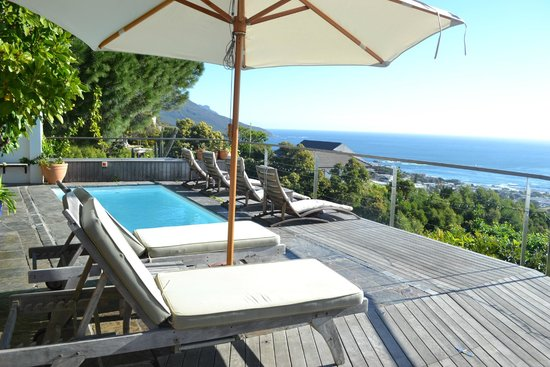 Boutique @ 10: Small plunge pool on the terrace overlooking the city and sea
