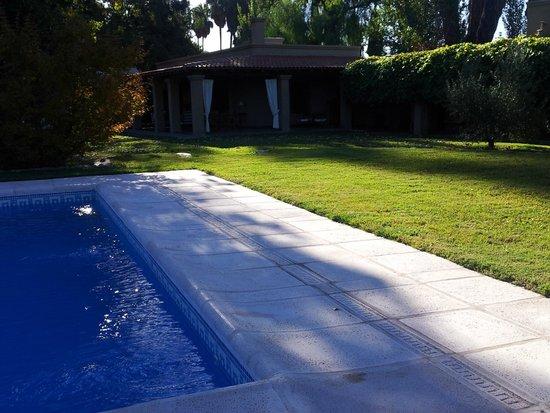 Posada Verde Oliva: Outside terrace seen from the pool