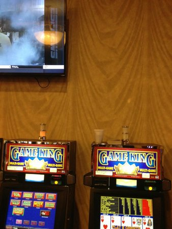 French Lick Casino: The Machine showing the heart flush is the 9-6 JoB