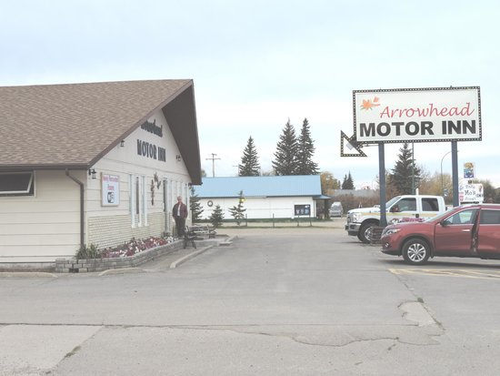 A Pleasant Surprise Review Of Arrowhead Motor Inn