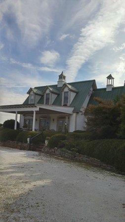 Landrum, SC: Front of Inn