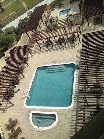Drury Plaza Hotel San Antonio North Stone Oak: View of the pool area