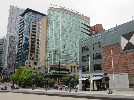 Hampton Inn & Suites Downtown Vancouver: The hotel