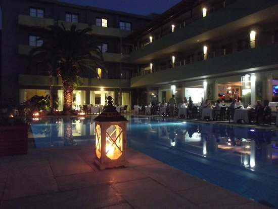 Crazy cow restaurant picture of la piscine art hotel for La piscine art hotel reviews