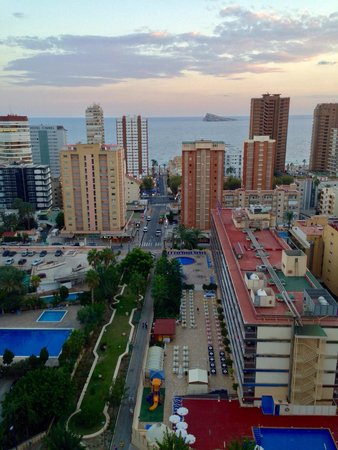 Sandos Monaco Beach Hotel & Spa: View from balcony towards beach