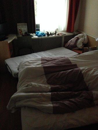 Ibis Ulm City : Das Bett irgendwie reingequetscht - nach etlichem Möbelrücken