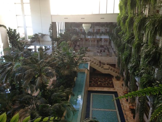 Spring Hotel Vulcano : The atrium, from the 4th floor