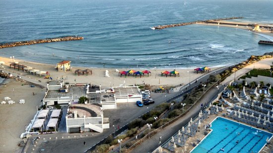 Hilton Tel Aviv: View of Mediterranean from room