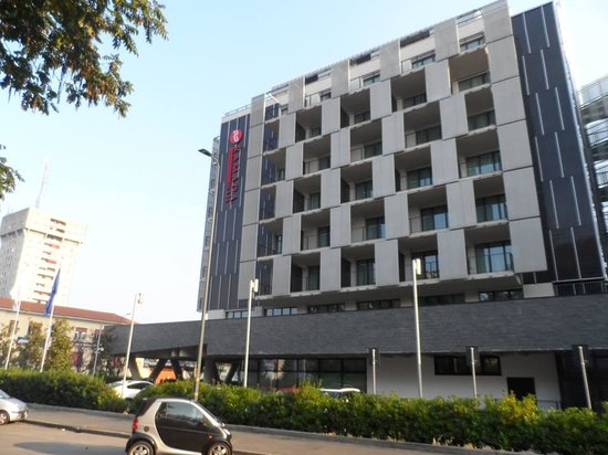 Ramada Plaza Milano: Hotel from outside