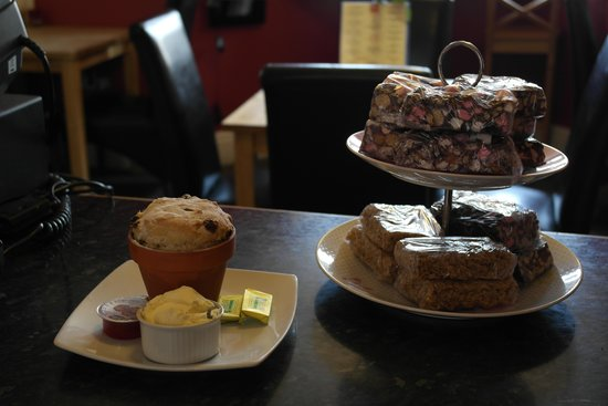 Gabriels Coffee Lounge: Tray Bakes & Scones
