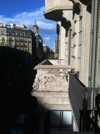 Petit Palace Museum Hotel: вид из номера