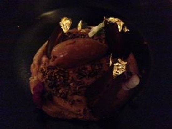O Chateau - Wine Tasting: Chocolate mousse with gold leaf!