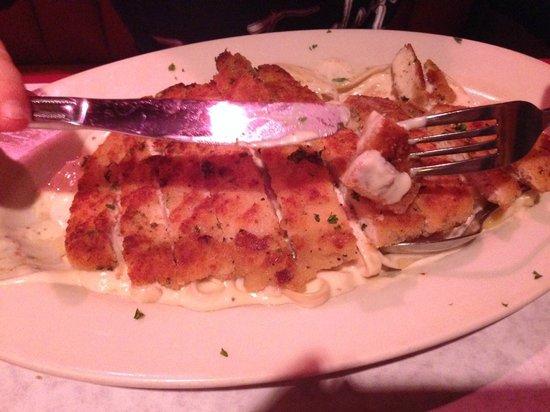 Cascone's Italian Restaurant: Chicken fettucine