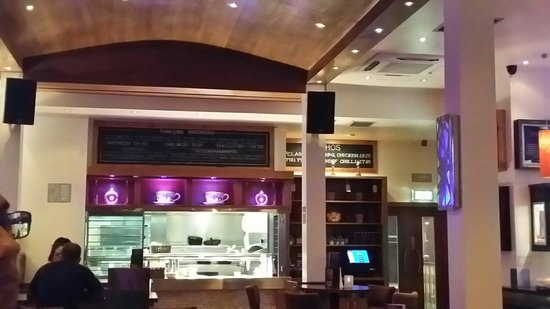 Banyan Bar & Kitchen: A hideaway restaurant with great ambience and atmosphere
