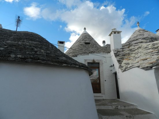 Trulli Resort Monte Pasubio: l'entrata