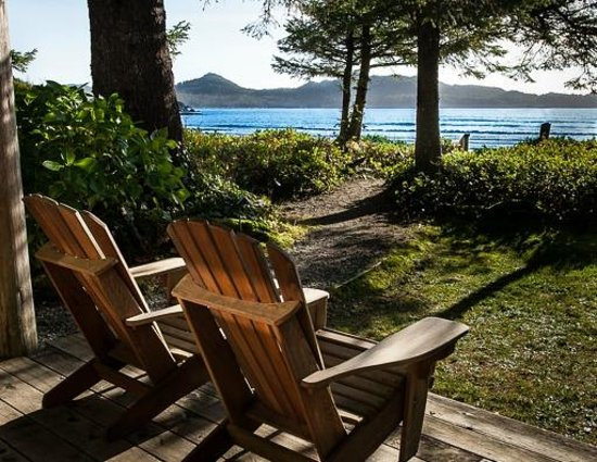 Chesterman Beach Bed and Breakfast: private beachfront decks only steps from the beach