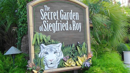 Secret Garden And Dolphin Habitat Picture Of Siegfried Roy 39 S Secret Garden And Dolphin