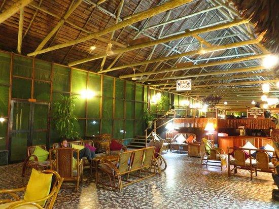 Ceiba Tops Lodge by Explorama: Lobby area