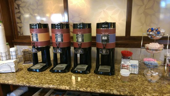 Hampton Inn Linden : variety of tea , coffee and hot chocolate