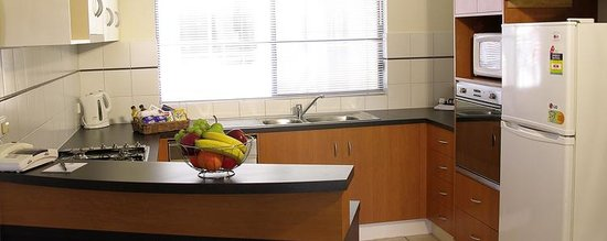 RNR Serviced Apartments Adelaide : Wakefield kitchen