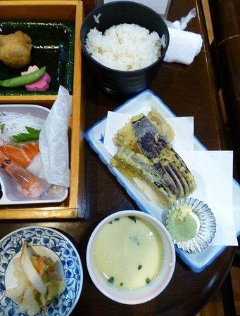 Meitonomori Hotel Kitafukuro: 茶碗蒸し、天婦羅