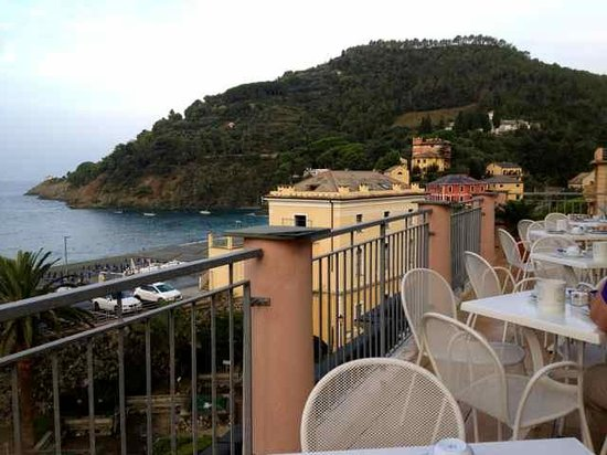 Hotel delle Rose: breakfast with a view