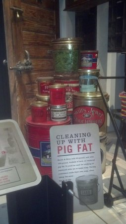 Park City Museum : General Store display of pig fat (lard)