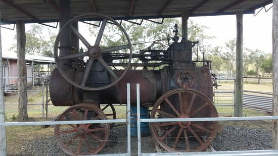 The Woolshed at Jondaryan: Retired engine behind the woolshed