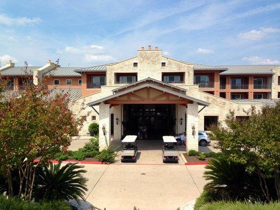 Lakeway Resort and Spa: Entrance to Lakeway Resort