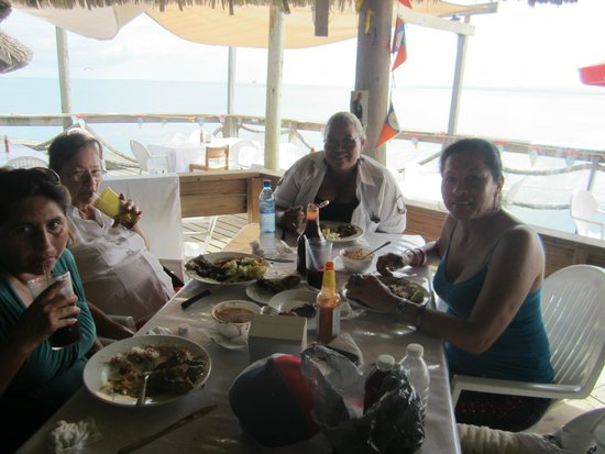 Bird's Isle: Shaing quality time with family and friends as we dine with good food and beer!