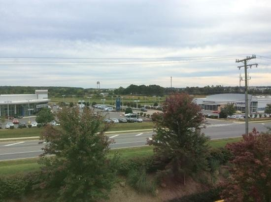 Hampton Inn & Suites Fredericksburg: View from 401