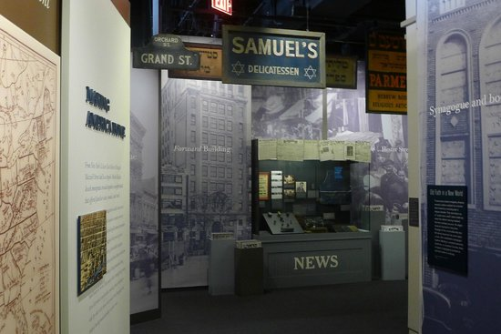 National Museum of American Jewish History: The signs
